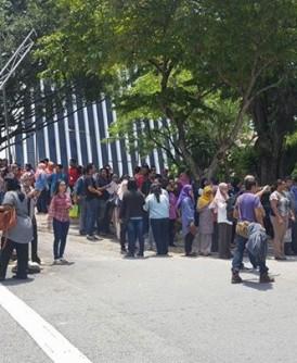 3000名在有关建筑物工作的职员,紧急被疏散!