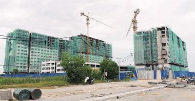 峇都加湾桂花城苏利亚1工程已达77.6%。至今,还有342个单位公开予槟州人民提出申请。