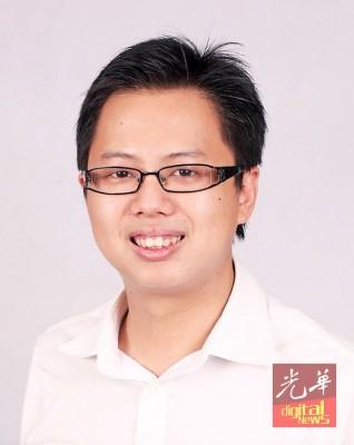 邹宇晖:伊党开明派大将都离开该党,加入诚信党,意味诚信党已没有回头路,必须走出与伊党不同的道路。