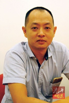 胡启贤: 暂时并没更动太多日常保安作业,但未来将申请辅警入驻新光大。