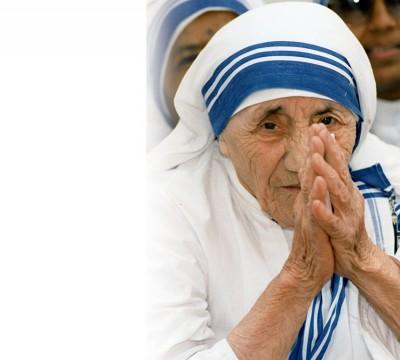 特丽莎修女于周日正式获封圣。(法新社照片)
