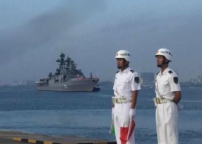 俄军军舰抵达湛江军港。