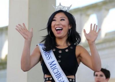 代表密歇根州参选的华裔全安琪。
