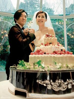 郑伊健以及蒙嘉慧于东京低调完婚。
