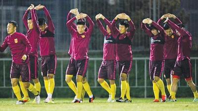 中国队抵达乌兹别克立刻投入训练。