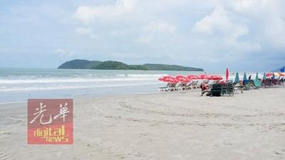 真浪海滩在近2个月内已发生2宗少年嬉水被浪卷走后溺毙事件。