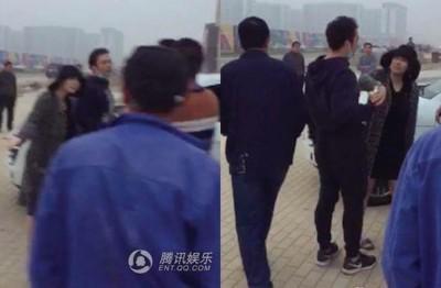 贾晓晨疑似车辆问题,同8男子当街对骂。