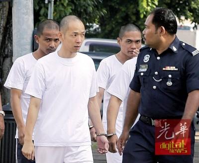被控在2012年谋杀太平丰顺家具贸易店东主的1名华裔和2名巫裔被告,周四被带到怡保高庭聆听结案陈词。