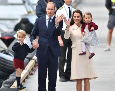 威廉王子一家四口向民众挥手道别。