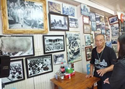 泰国发生影楼主人展出泰王到访的原始照,因为纪念泰王。
