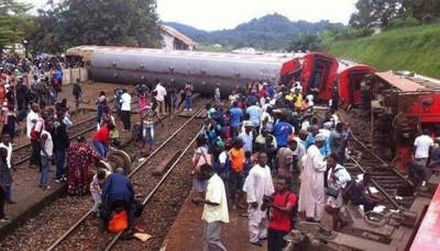 列车超载造成深重伤亡。