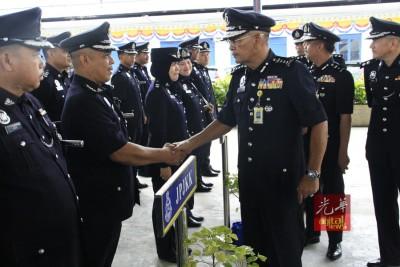 阿都嘉化严厉打击向私人贷款机构借贷的警员,同时也要求警员加强自身纪律。