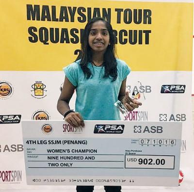 希瓦桑佳丽拿下大马壁球巡回赛连续4站女单冠军。