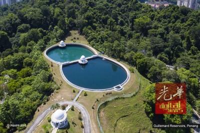 眼镜池于1929年建于基岩,该建筑结构及供水情况一切良好。