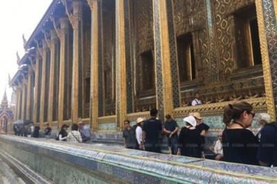 泰国大王宫玉佛寺恢复开放。