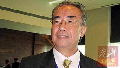 陈伟华预测,于今年第四季以至明年期间,本地的金业行情依然不会大好。