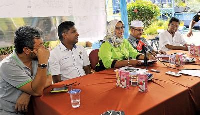 麦姆娜举行记者会,强调当局决不姑息犯法者。