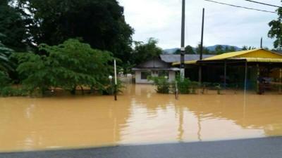 华玲甘榜瓜拉居邦发生水患,造成一名巫青被溺毙。
