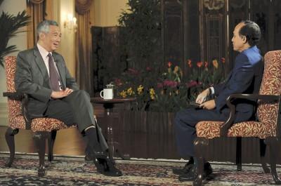 李显龙接受马新社主席拿督斯里阿兹曼访问时表明,新加坡不打算建第三大桥。