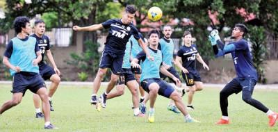 大马国足主动拓展训练为铃木杯做最后冲刺。