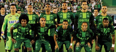 南美足协宣布,将2016年南美杯冠军授予此前遭遇空难的沙佩科恩斯俱乐部。