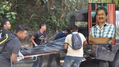 警方将死者遗体送往医院太平间解剖。小图为陈振德遗照。