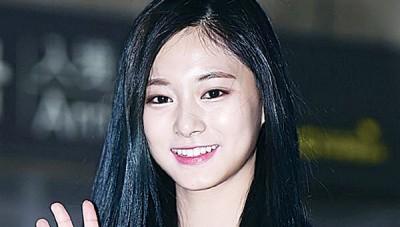 子瑜在2016偶像喜好度拿下第3名。