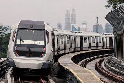 双溪毛糯-加影捷运的首阶段路线--双溪毛糯至士曼丹站开跑,料可为40万人提供便捷的公共交通服务。