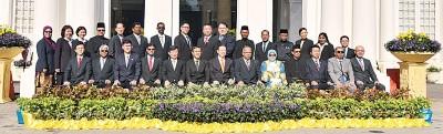 亚洲城手机网页版登陆料不会撤换槟岛10名市议员;公正党则还在斟酌1、2名人选。