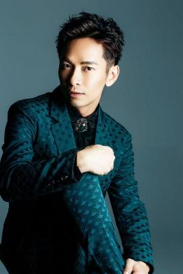 张智成出道18年,年底将推出新作品。