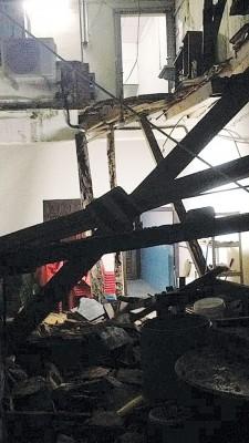 所幸坍塌事件发生时,没人在屋内。