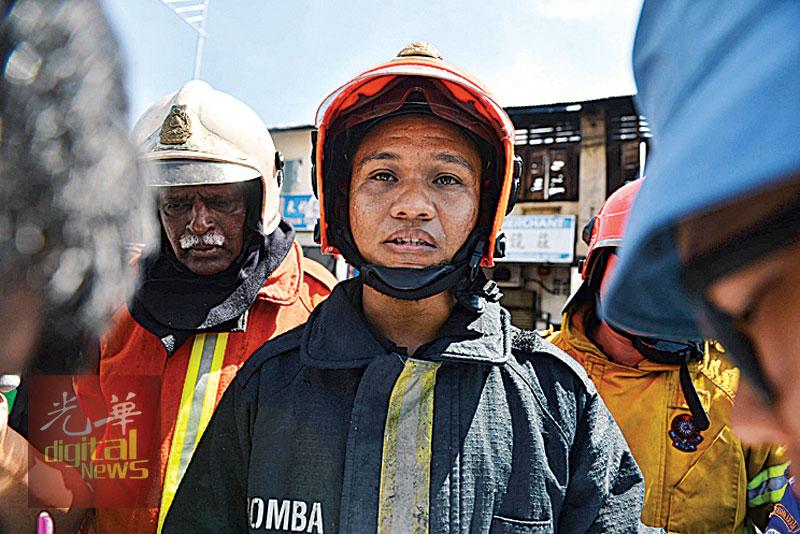 莫哈末罗再拉:火患是从223号住家开始引发,造成工8间店铺及住家烧毁。