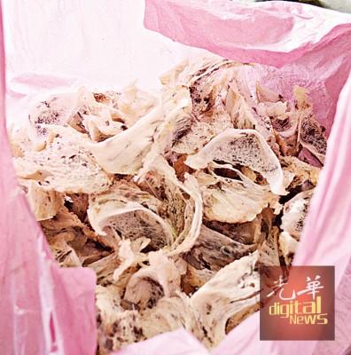 每公斤毛燕窝售价约2000令吉。