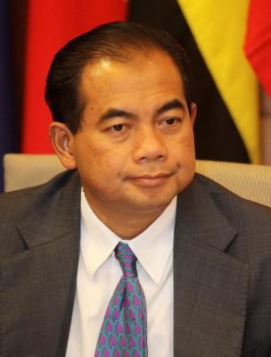 阿都拍兹:我国用同中国澳洲三在会议,盖确定搜寻MH370位置方向。