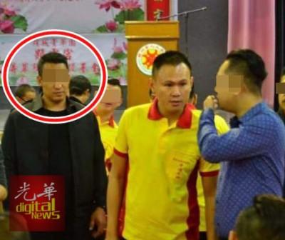 保镖嫌犯与弟弟的面貌非常相似,不知情者单看照片以为两者为同一人。