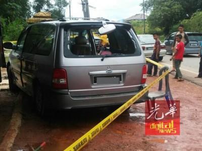 汽车后镜在事发过程被射碎。
