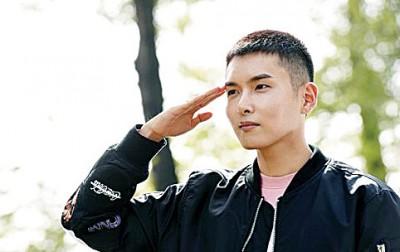 金厉旭最近结束了为期5周的基础军事训练,被分配到了军乐队。