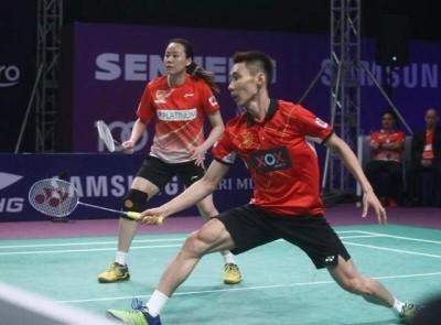 赵芸蕾以及李宗伟配对混双打紫盟联赛。