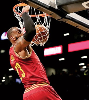 勒布朗詹姆斯使再负2只球,纵使会成NBA史及先后14各项命中1万球之球员。