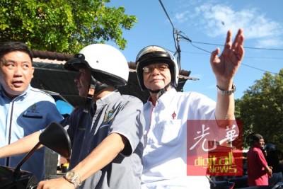 """林吉祥周日走访马来乡区,坦言如果伊党愿郑重缔结""""拯救大马""""协议,他愿与之合作。"""
