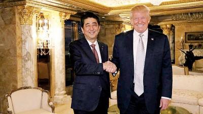 日本首相安倍晋三去年11月访美拜访特朗普。