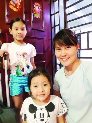 王淑婷准备要与2名女儿和丈夫返乡过年咯。