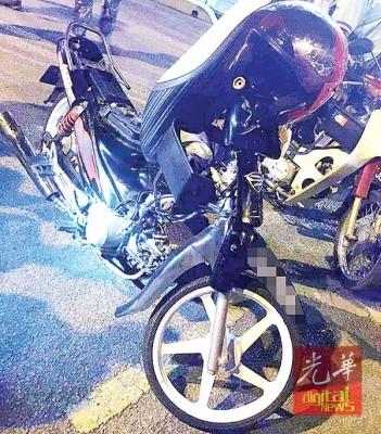 窃徒使用的摩托车。