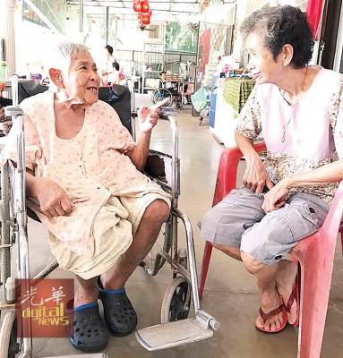 77岁李丽丽老婆婆盼望有生之年能与亲人相聚,重温在家过年的温馨。