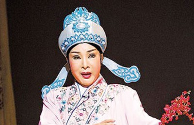 小明明是歌仔戏四大天王的其中一员。