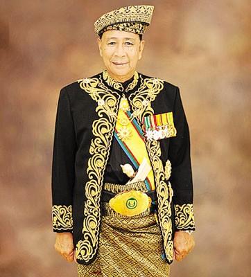 王储东姑沙列胡丁被册封为D.K皇室勋衔。