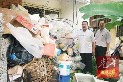 陈德钦(左)多年来默默耕耘,现在受委为槟联委会主席,将会带来改变。(档案照)