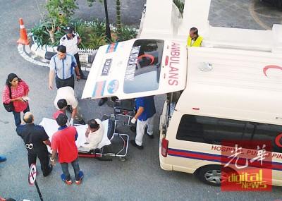 救护车及时到达,将被告送往医院治疗。
