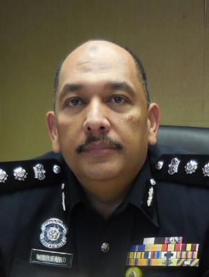 米尔:阿盈就算来求警方也无济于事,案件已交由副检察司处理。