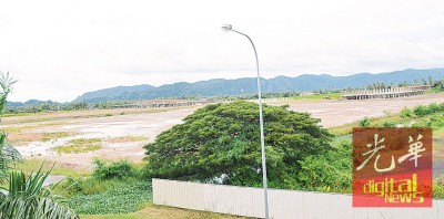 前身为稻田,已被填土,作为加央新市镇的工程地。